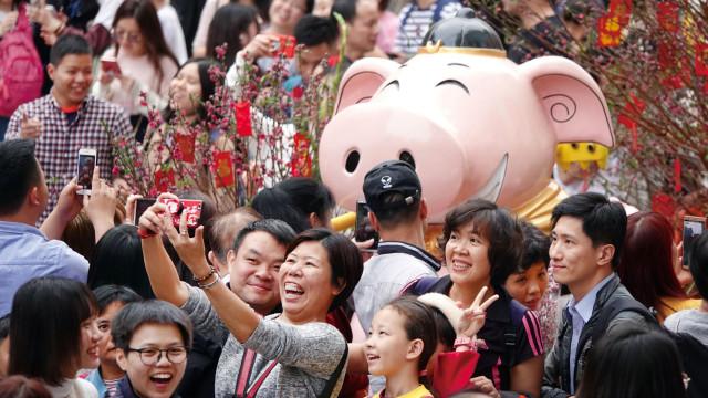 Milhares de pessoas em Macau assistem às comemorações do Ano Novo Chinês