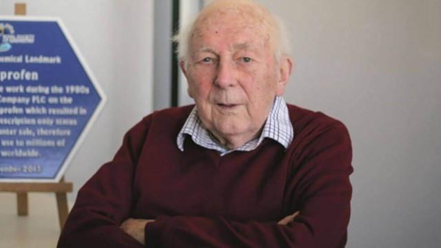 Morreu o inventor do ibuprofeno, descoberto quando lhe curou uma ressaca