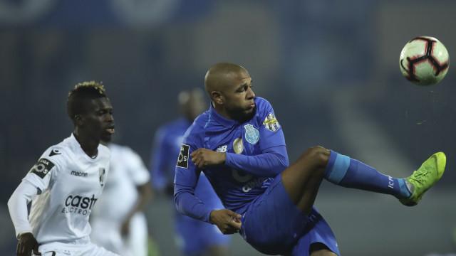 AC Milan intensifica assédio a Brahimi, mas não está sozinho na corrida