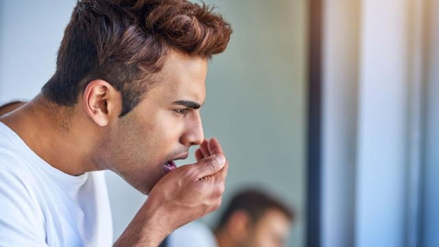 Tem mau hálito? Pode sofrer destas 9 condições (inclusive cancro)