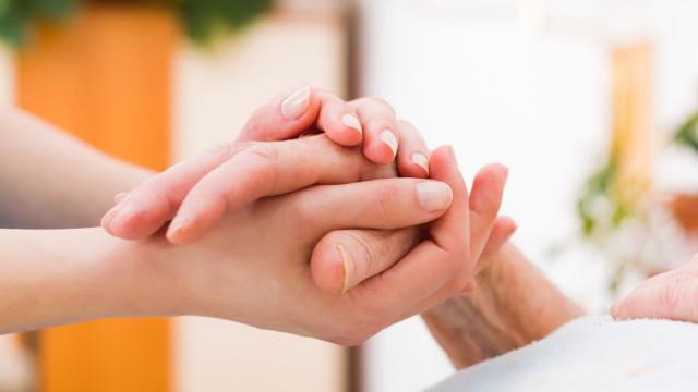 Aprovada proposta de lei sobre cuidadores informais
