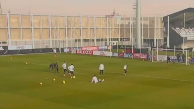 João Cancelo marca golaço no treino da Juventus