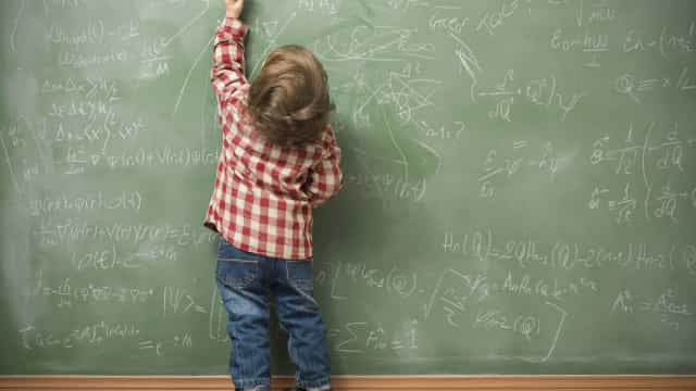 """Mente humana """"está preparada para o bilinguismo"""", defende investigadora"""