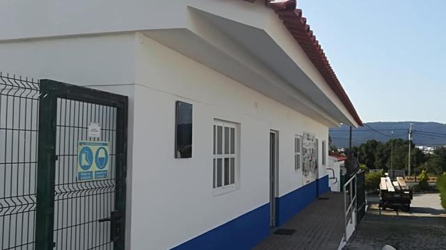 Equipamentos e carrinhas roubadas a clube de Viana
