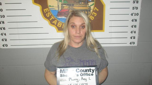 Enfermeira matou marido para poder casar com recluso condenada a perpétua