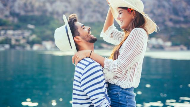 Um terço dos portugueses encontrou o amor numa viagem