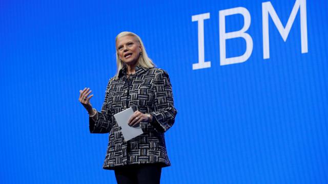"""Inteligência artificial """"vai transformar 100% dos empregos"""""""