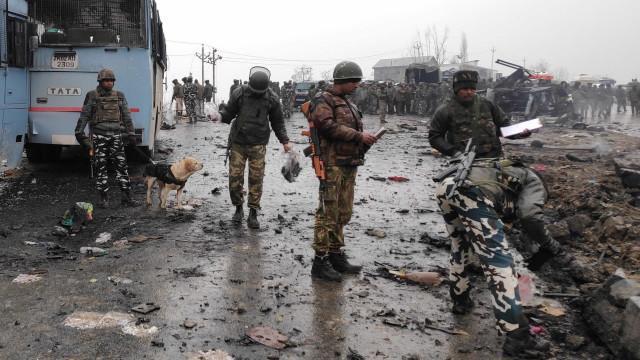 Sobe para 12 número de mortes em ataque na Caxemira. Já foi reivindicado