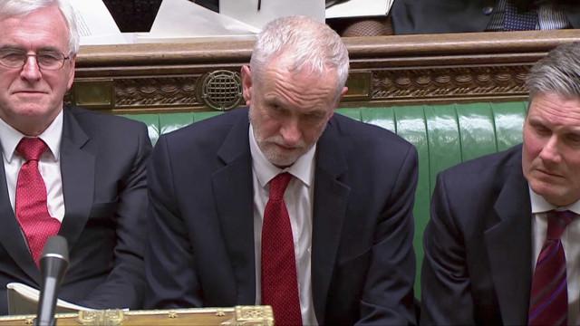 """Derrota no parlamento mostra que estratégia do governo """"não tem maioria"""""""