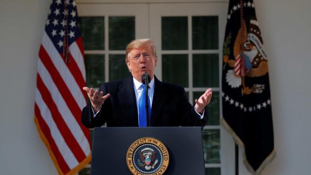 """""""Vou assinar a emergência nacional"""", anuncia Donald Trump"""