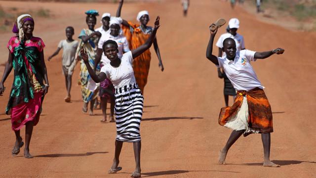 O mais populoso país africano escolhe sábado o seu presidente