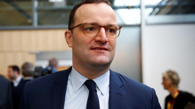 Ministro alemão quer proibição de terapias de conversão para homossexuais