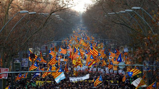 200 mil nas ruas de Barcelona contra julgamento de independentistas