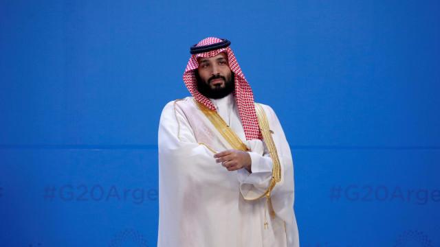 Príncipe saudita chega ao Paquistão com a promessa de investir milhões