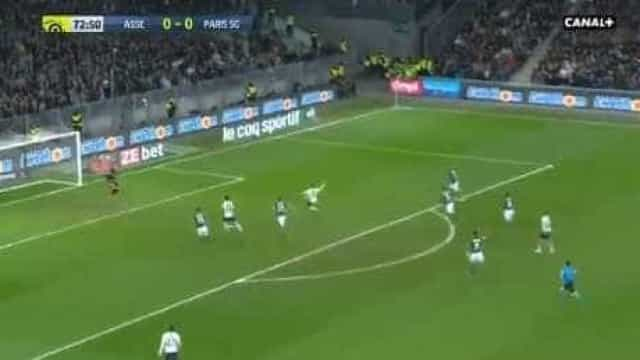Este belo golo de Mbappé garantiu o triunfo do PSG diante do St. Étienne