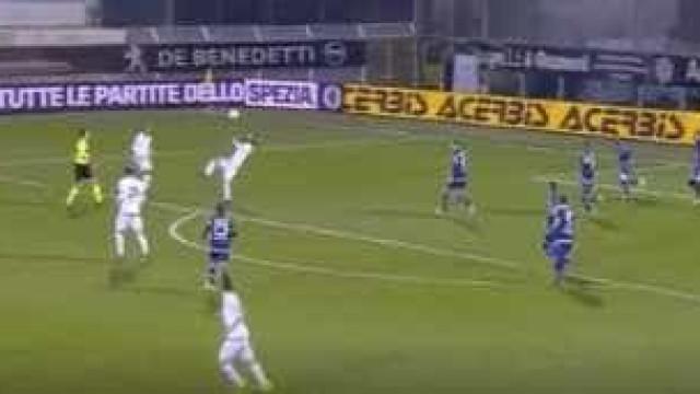 Da segunda divisão italiana chega-nos um golo... do outro mundo