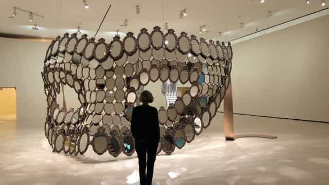 Exposição 'I'm Your Mirror' de Joana Vasconcelos inaugurada hoje
