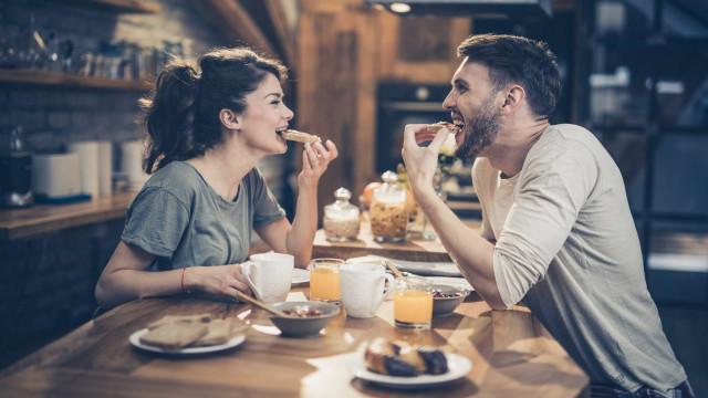 Comer torradas queimadas pode ser mais tóxico do que fumos de escape