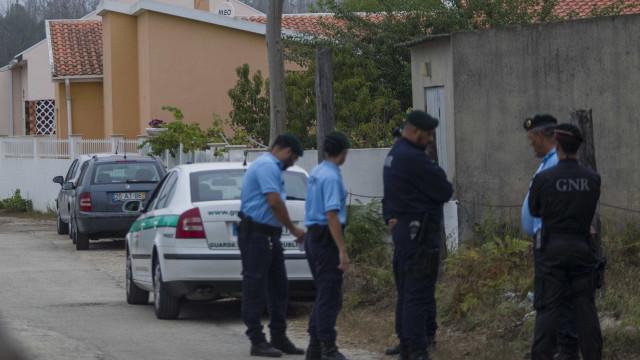 Homem detido por bater na mulher e no filho de 11 anos