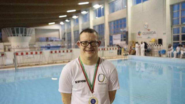 Filipe Santos bate recorde mundial em natação adaptada