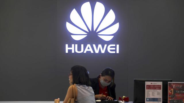 Huawei quer destronar Samsung já em 2019