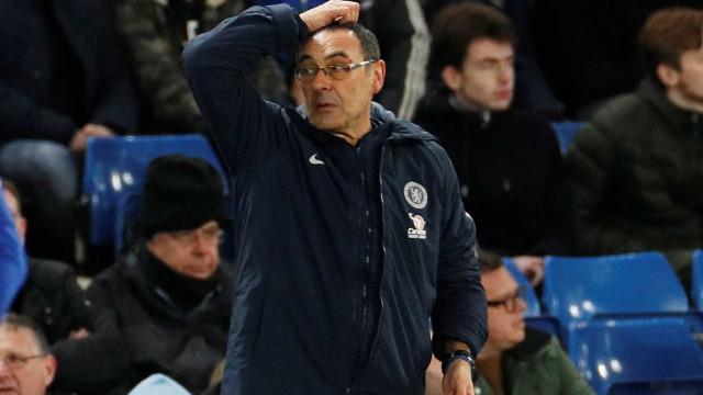 """Adeptos do Chelsea arrasam Sarri: """"Não sabes o que estás a fazer"""""""