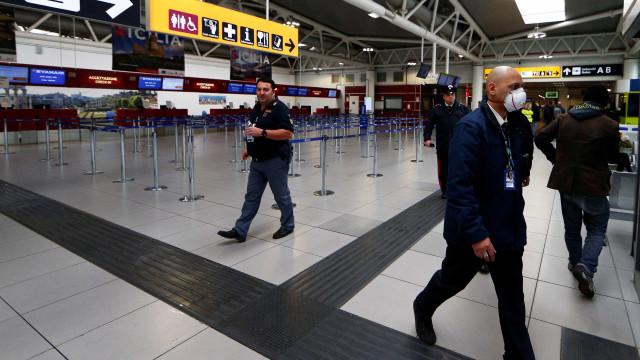 Terminal de partidas do aeroporto de Ciampino continua fechado 4.ª feira