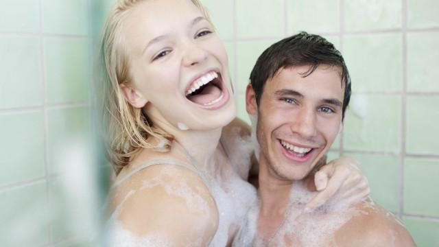 O leitor perguntou: Quando devo tomar banho, de manhã, tarde ou à noite?