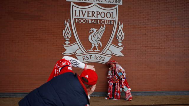 """Comprou bilhete para Munique, jogo era em Liverpool... """"culpa da cerveja"""""""