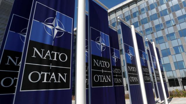 """NATO considera """"inaceitável"""" instalação de novos mísseis russos"""