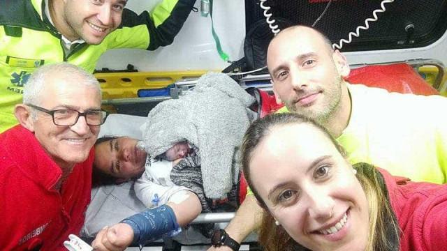 Bebé nasce em ambulância a caminho de hospital de Setúbal
