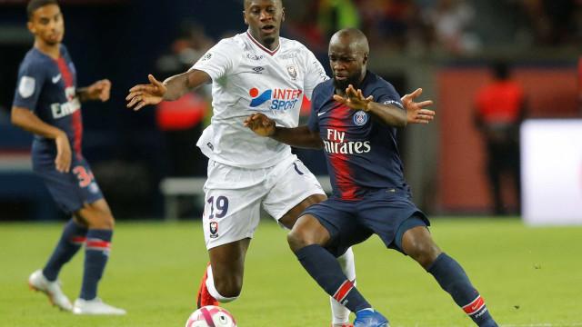 PSG rescinde contrato com Lassana Diarra