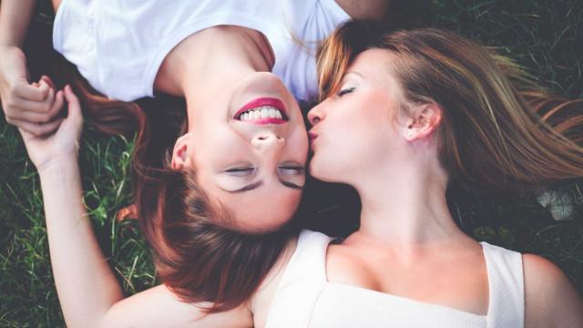 Ciência garante que todas as mulheres são gays ou bissexuais. Será?