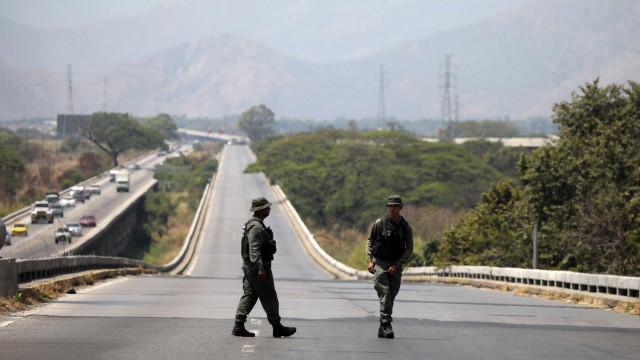 Venezuela: Quatro membros da Guarda Nacional desertaram para a Colômbia