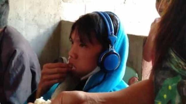 Mãe alimenta filho à boca porque é viciado em videojogos