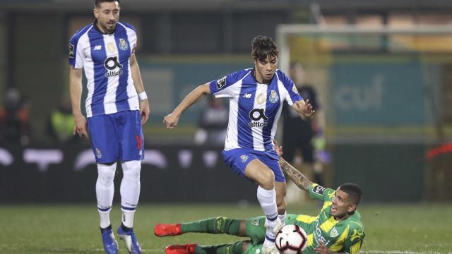 [0-2] Tondela-FC Porto: Golo incrível de Óliver aumenta vantagem portista