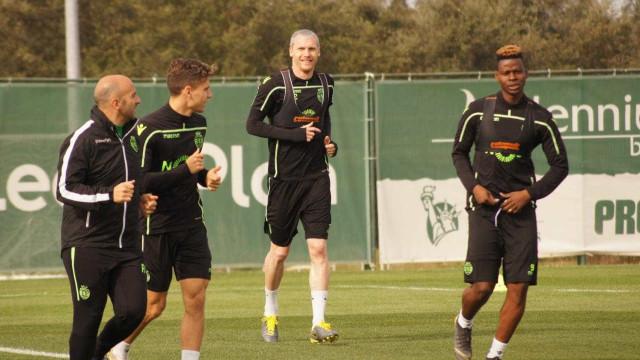 Boa notícia para Keizer: Mathieu está de volta aos treinos