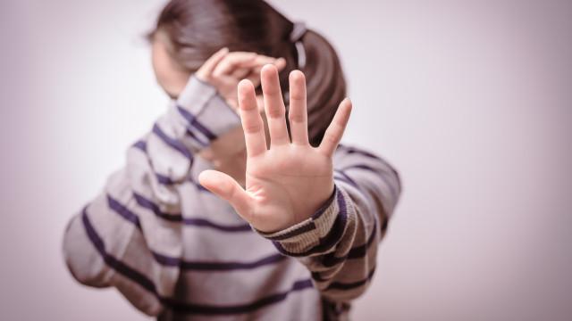 Relatório sobre violência doméstica conhecido para a semana