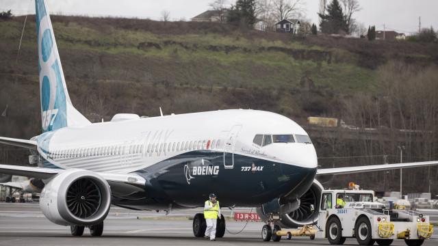 Boeing anuncia suspensão das entregas de aviões 737 MAX