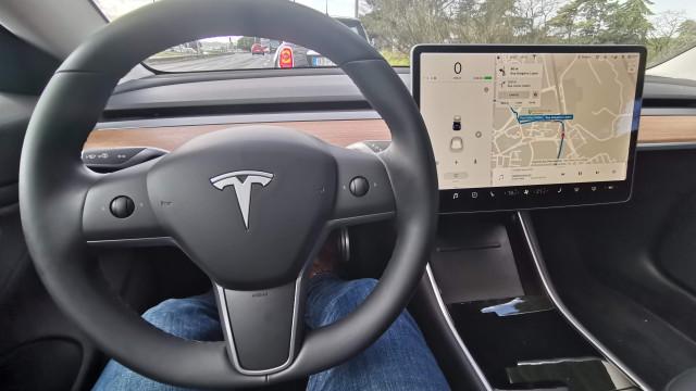 O Model 3 é a visão da Tesla para o futuro. Onde assinamos?