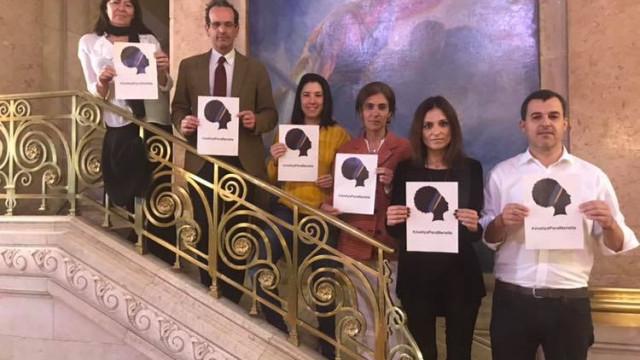 Deputados portugueses prestam homenagem a Marielle, morta há um ano