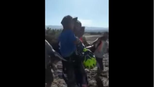 Menino de cinco anos encontrado com vida após 24 horas perdido no deserto