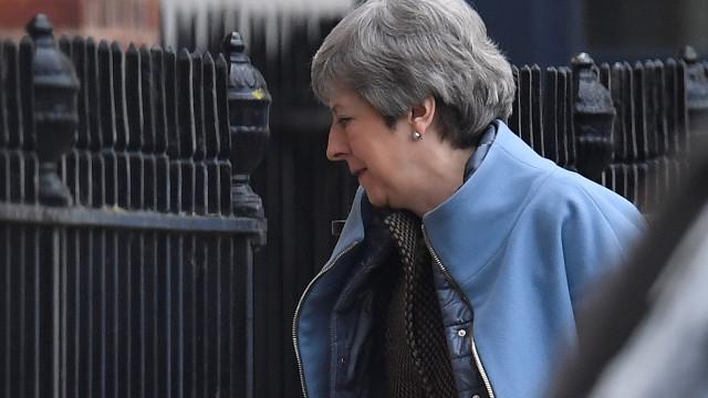 May pede adiamento do Brexit até 30 de junho mas 'recusa' europeias