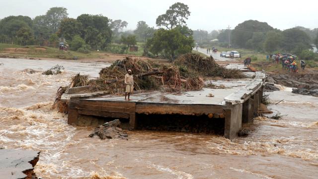 Embaixada avisa sobre abertura de barragens para evitar colapsos