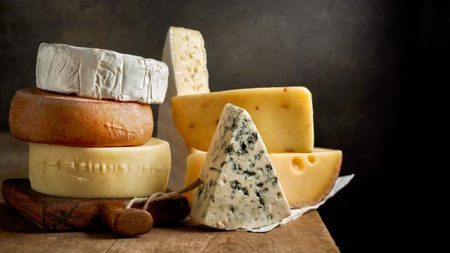 Tem queijo no frigorífico? Há um tipo de música que melhora o seu sabor