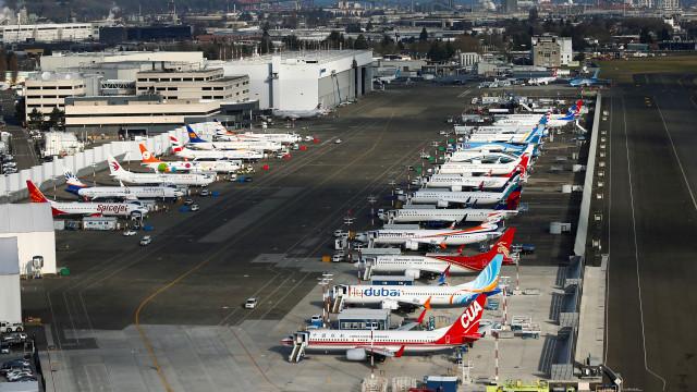 Imagens aéreas mostram 'mar' de Boeing 737 Max 8 à espera de voar