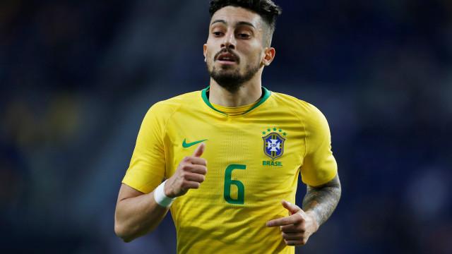 Alex Telles já reagiu à estreia pela seleção brasileira