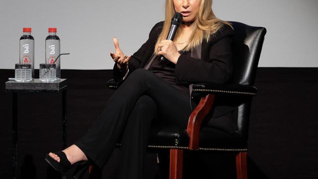 Barbra Streisand pede perdão a alegadas vítimas de Michael Jackson