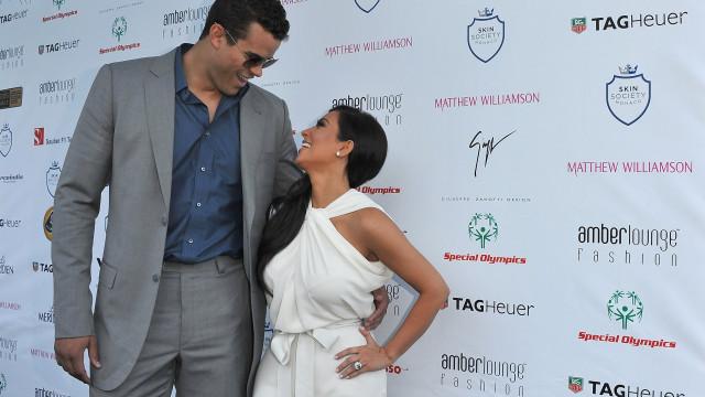 """Ex-marido de Kim Kardashian recorda casamento de 72 dias: """"Foi duro"""""""