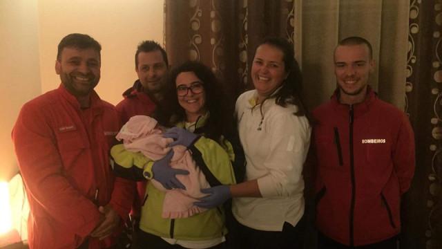Santo Tirso: Bebé nasce em casa com ajuda dos bombeiros